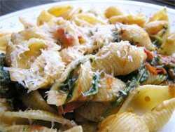 Вкусные макароны с рукколой и помидорами — просто и вкусно на каждый день