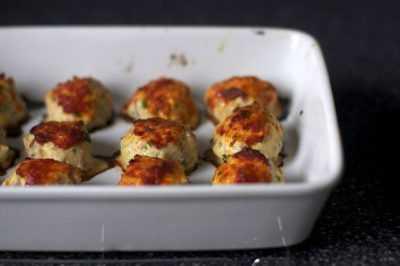 Куриные фрикадельки в духовке — просто и вкусно на каждый день