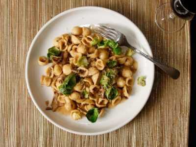 Вкусные макароны с грибами, сыром, капустой — просто и вкусно на каждый день
