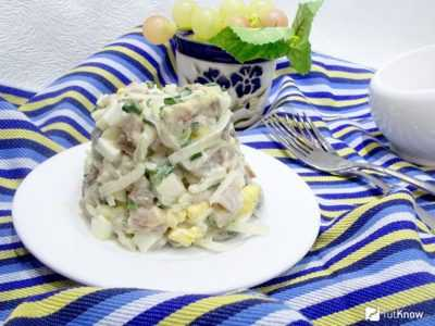 Салат с селедкой и грибами — просто и вкусно на каждый день