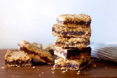 Пирог с финиками и овсянкой — легкий домашний рецепт