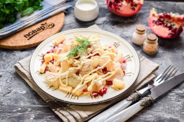 Салат с курицей, гранатом и ананасом - просто,вкусно - фоторецепт пошагово